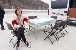 北京姑娘驾房车去西藏,翻5000米高山遇雨雪冰雹还封路